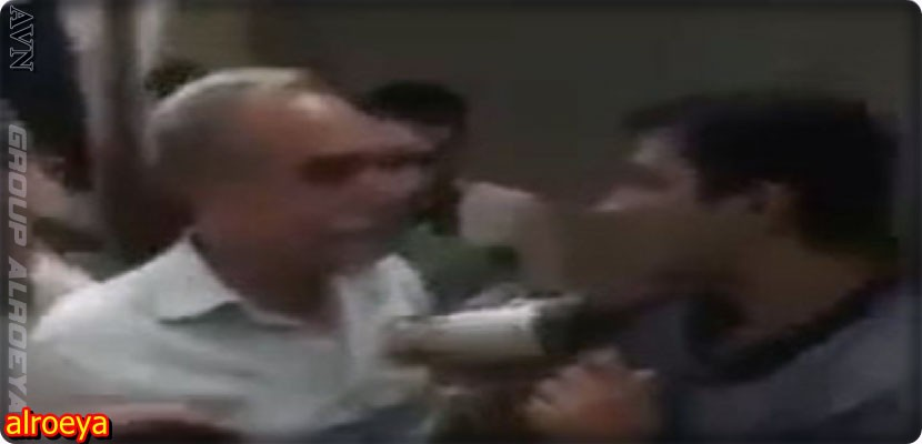 Video, Turkish Minister of Industry slaps a journalist