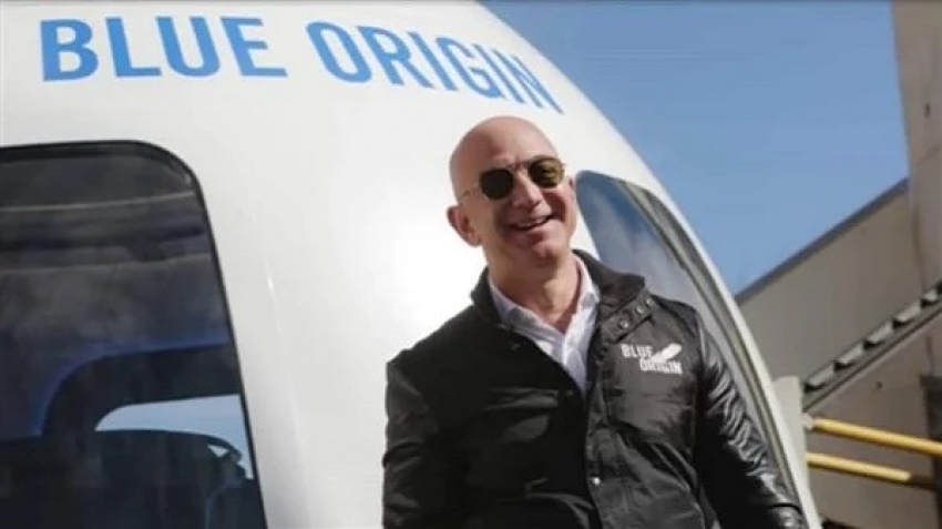 A video of Jeff Bezos' return from space puts him in the trend