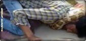 In India, a snake suffocates in front of the public