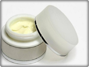 A case of methylmercury poisoning associated with a skin cream