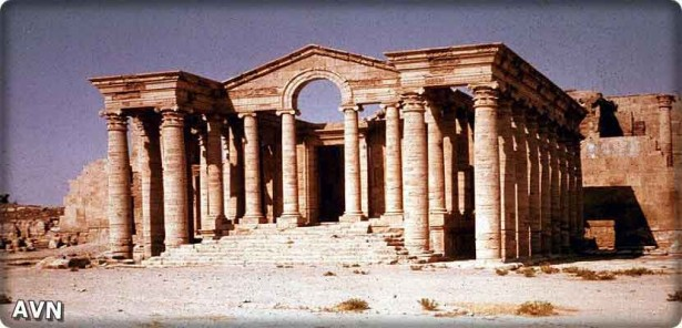 "The city of ""Nimrod"" Iraqi archaeological destroyed by a ditch under restoration"