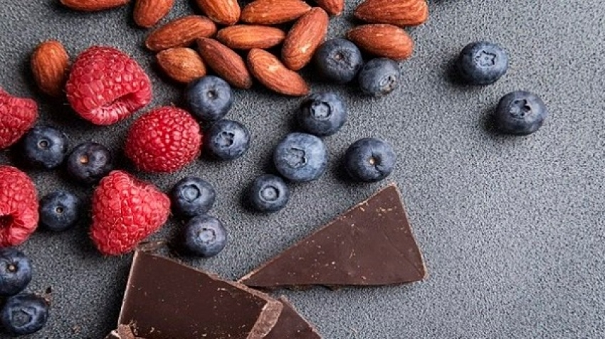 Foods that help improve mood