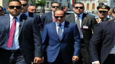 Video, Egyptian President Abdel Fattah El-Sisi buys from a street vendor