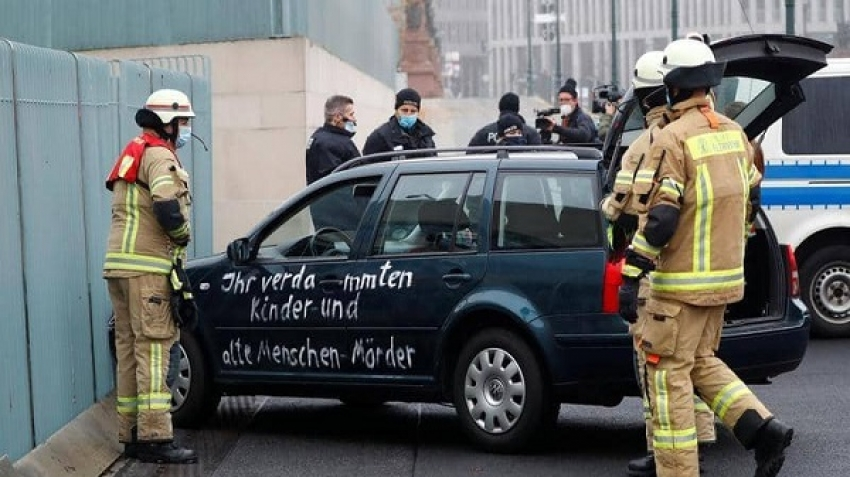 Attempt to storm the residence of German Chancellor Merkel