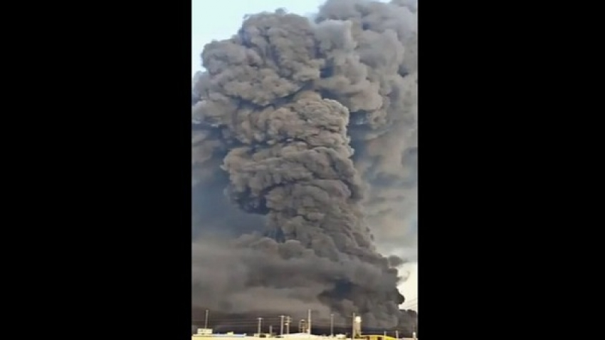 A fire in a chemical plant, in the Iranian city of Qom