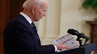 Biden cheat sheets during the first official press conference